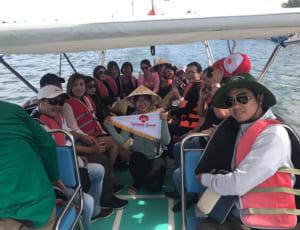 ca nô cao tốc đưa quý khách ra biển Cù Lao Chàm